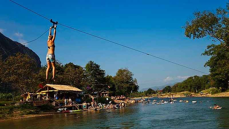 art-Vang-Vieng-Bar-Swing-620x349